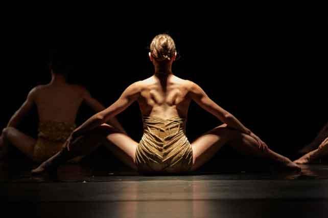 Dantzaz Konpainia presenta 'Flash' en el Teatro Bergidum 1