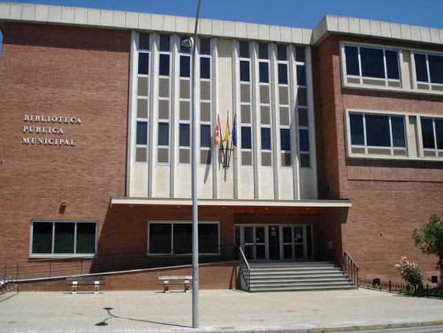 La Biblioteca Pública de Ponferrada reabre bajo rigurosas medidas de seguridad y prevención de la COVID 19 1