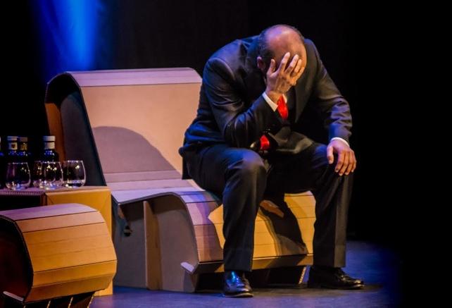 Saltantes teatro presenta 'El método Grönholm' 1