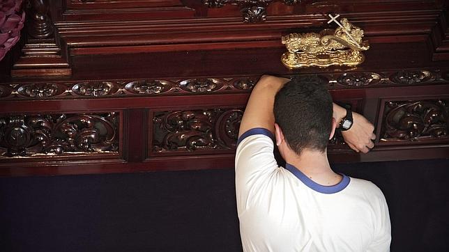 San Juanín no fue el único. Un resumen de sustos e incidentes con las imágenes en las procesiones de Semana Santa de nuestro país. (VÍDEOS) 1