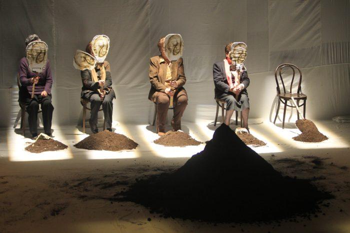 Exhumación, Teatro documento en el Bergidum 1