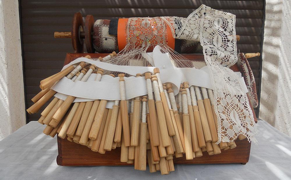 Exposición de auténticas joyas del encaje de bolillos en el Palacio de Canedo del 6 al 8 de mayo 1