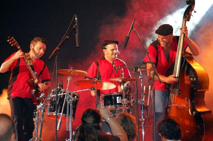 Fever Band en concierto. Sala Tararí 27 de agosto 1