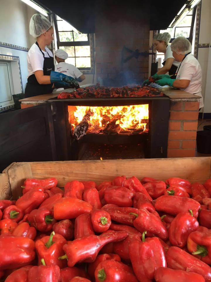 La feria del pimiento se convierte en la I Feria de la Fruta de El Bierzo 1