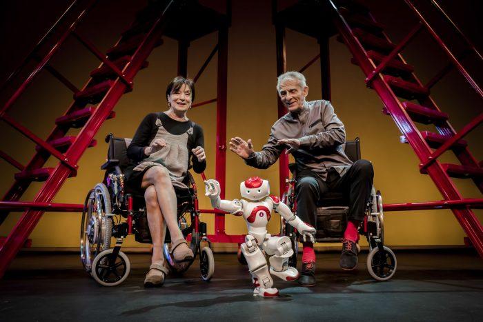 Juan Margallo y Petra Martínez ofrecen en ¡Chimpón! una divertida comedia autobiográfica 1