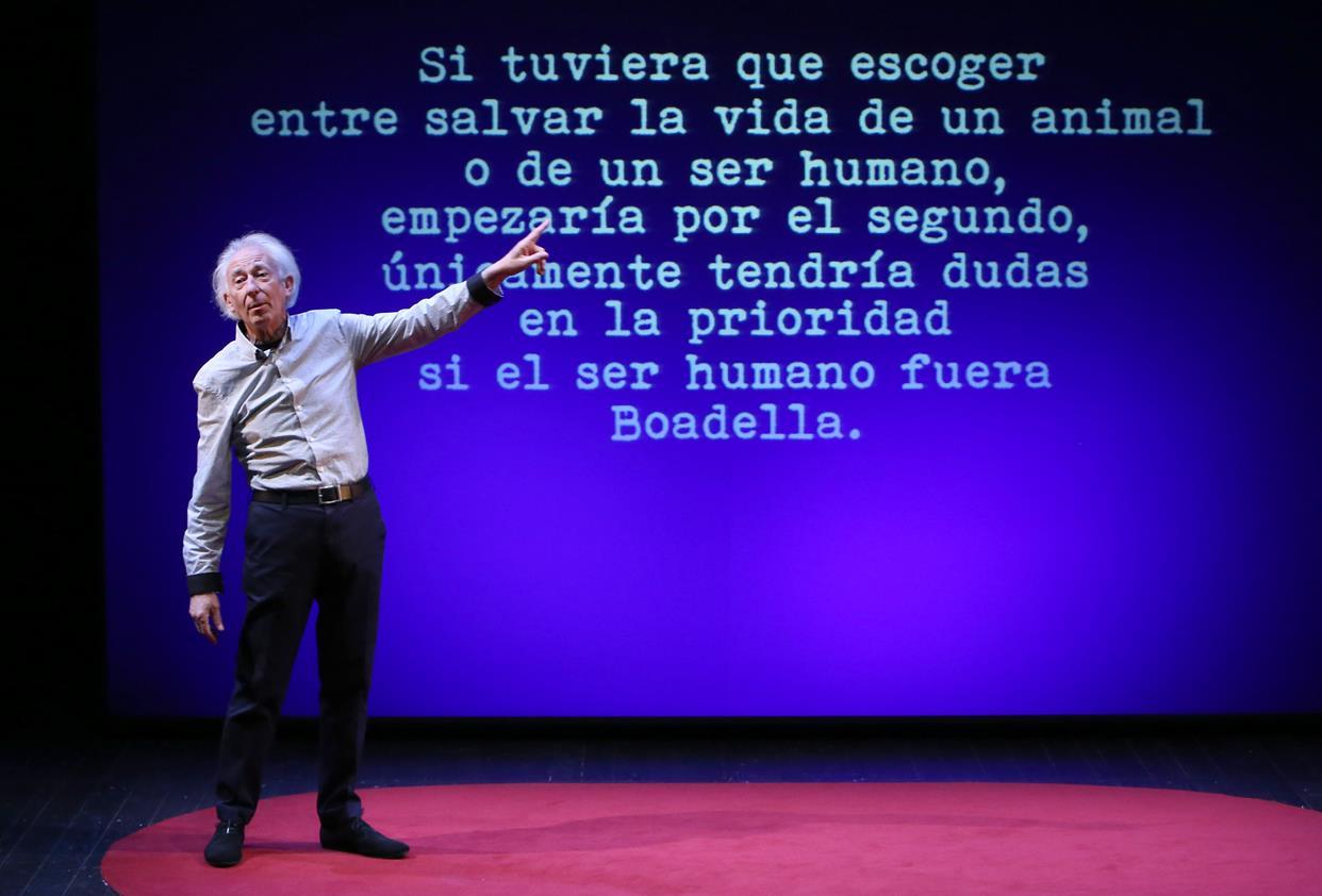 Albert Boadella se interpreta a sí mismo con libertad, humor y osadía en El sermón del bufón 1