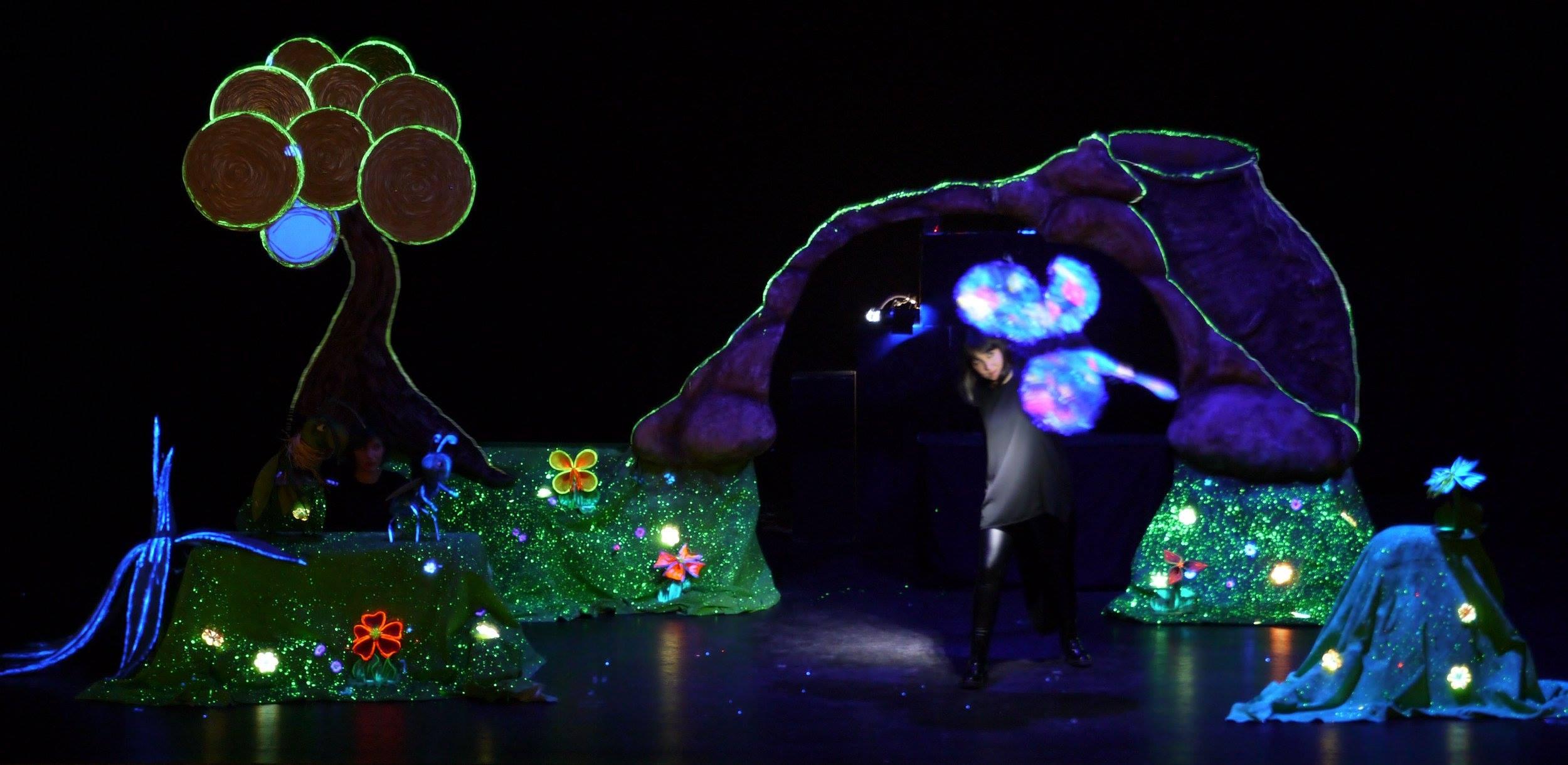 Teatro infantil 'Azul y la revolución infantil' en Cubillos del Sil 1
