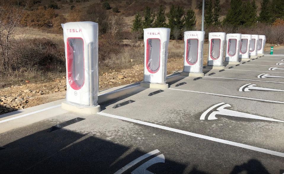 El Supercargador de coches eléctricos Tesla en El Bierzo ya tiene su espacio 1