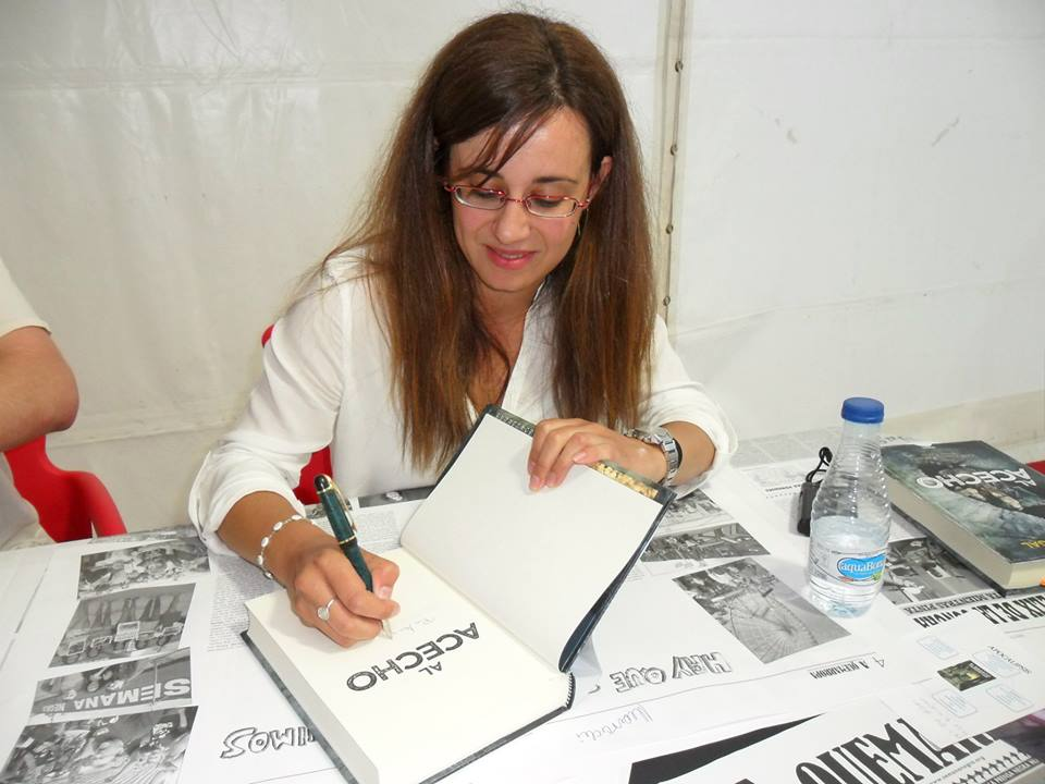 La escritora y periodista Noemí Sabugal presenta el libro 'Una chica sin suerte' 1
