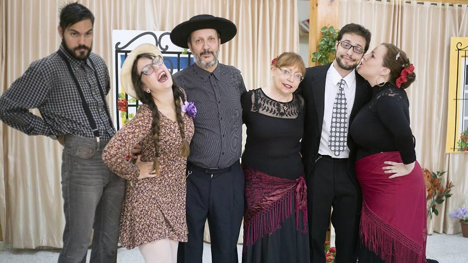 "El Teatro municipal de Cubillos presenta la obra: "" LA COSA ES PA REIR"". 1"