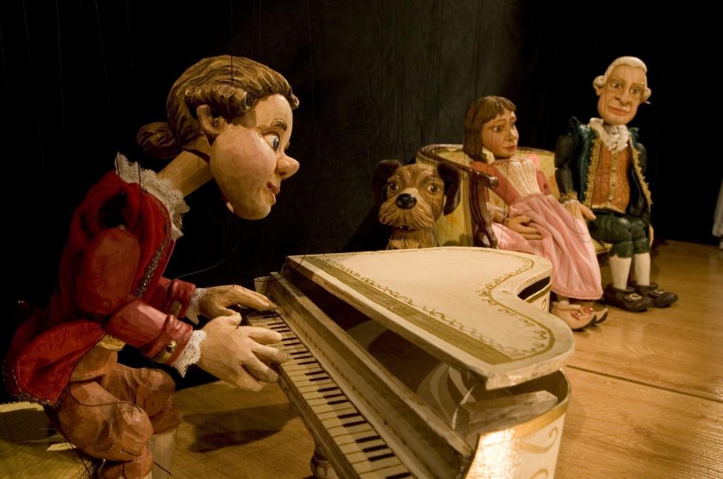 Títeres Cachirulo presenta 'Do, Re, Mi, Mozart juega Aquí' en el Teatro villafranquino 1