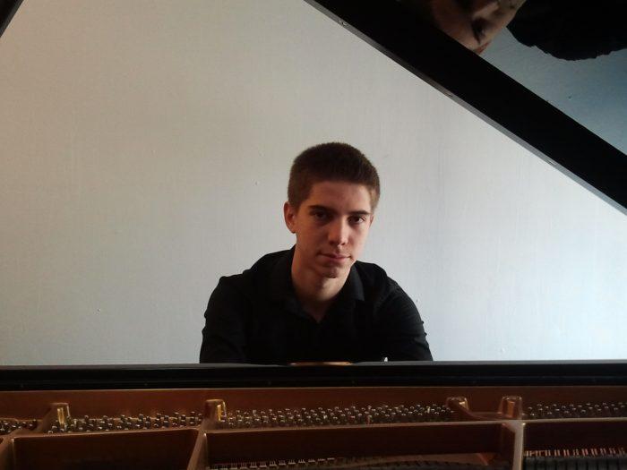 Concierto del pianista Carlos Marín para cerrar la temporada de Juventudes Musicales 1