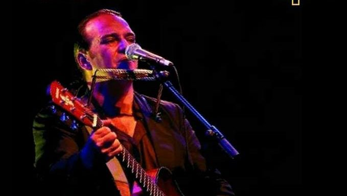 Javier Urquijo en concierto en Fabero 1