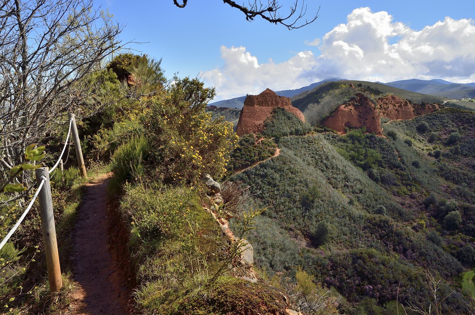 La Casa del Parque de Las Médulasorganiza una excursión otoñal por la Senda de Reirigo 1