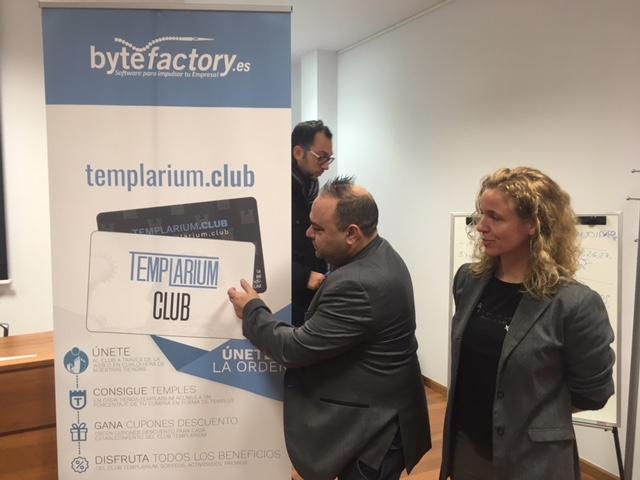 La asociación de comercio Templarium presenta su tarjeta de fidelización que vendrá acompañada de descuentos y acciones para sus clientes 1