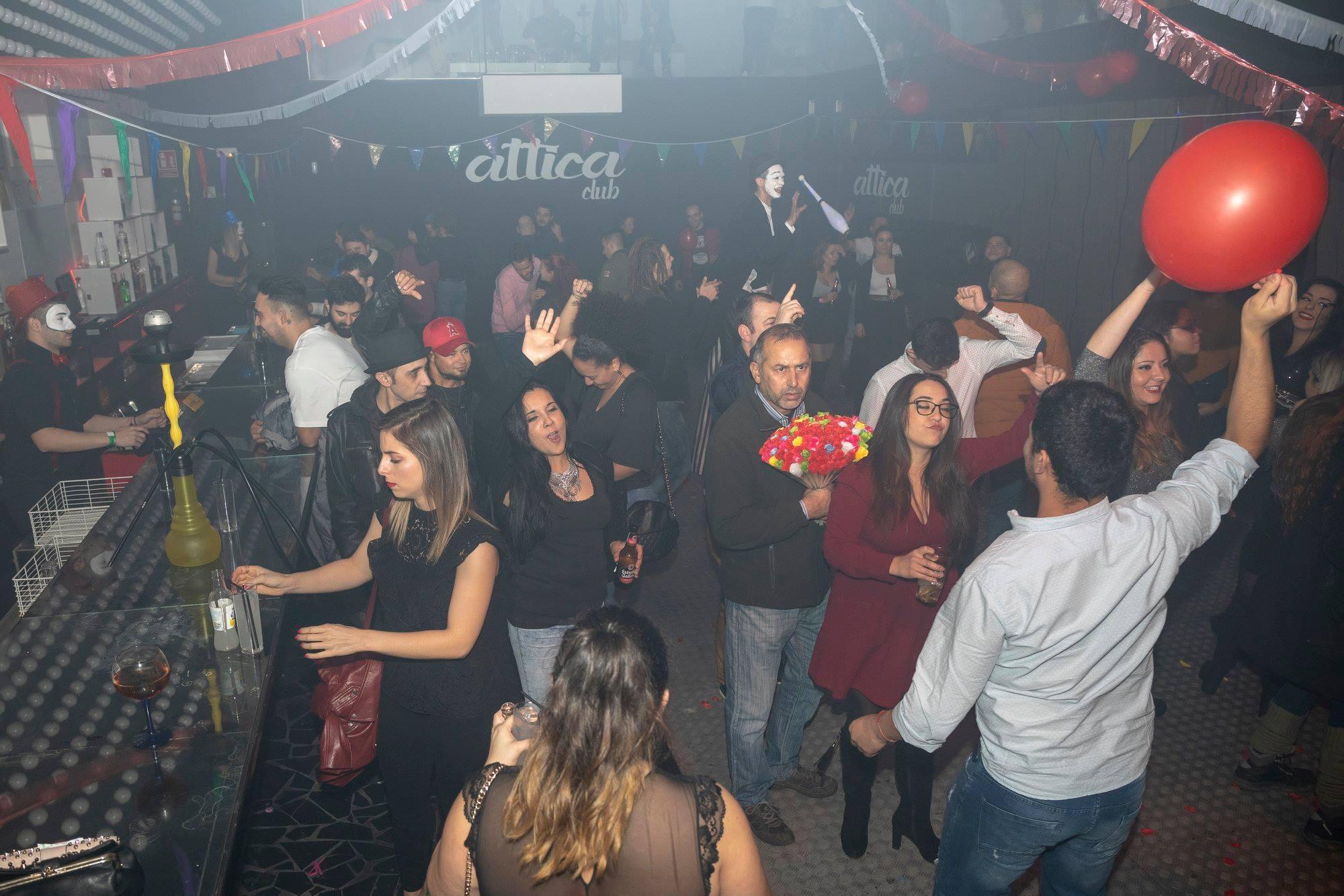 Bares nocturnos y discotecas podrán abrir sin zona de baile y siempre con distancia o mascarilla en la fase 3 1