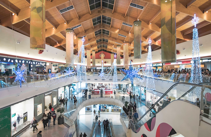 El Centro Comercial El Rosal celebra ya la Navidad con la presencia de Papá Noel y actividades para toda la familia 1