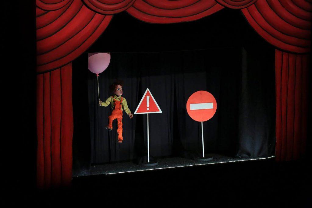 Teatro de marionetas y guiñol para los peques 1