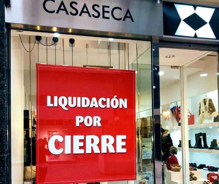 La tienda de calzado CASASECA, echa el cierre tras diecisiete años 1