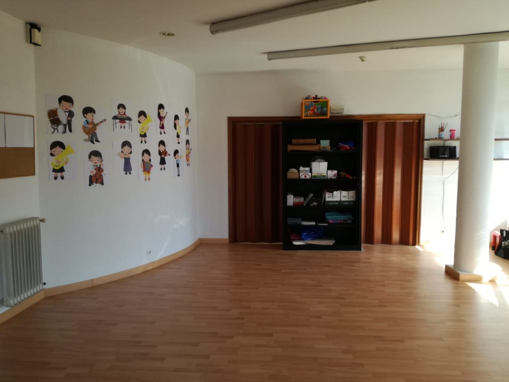 La escuela Municipal de Música de Cacabelos mejora su sede 1