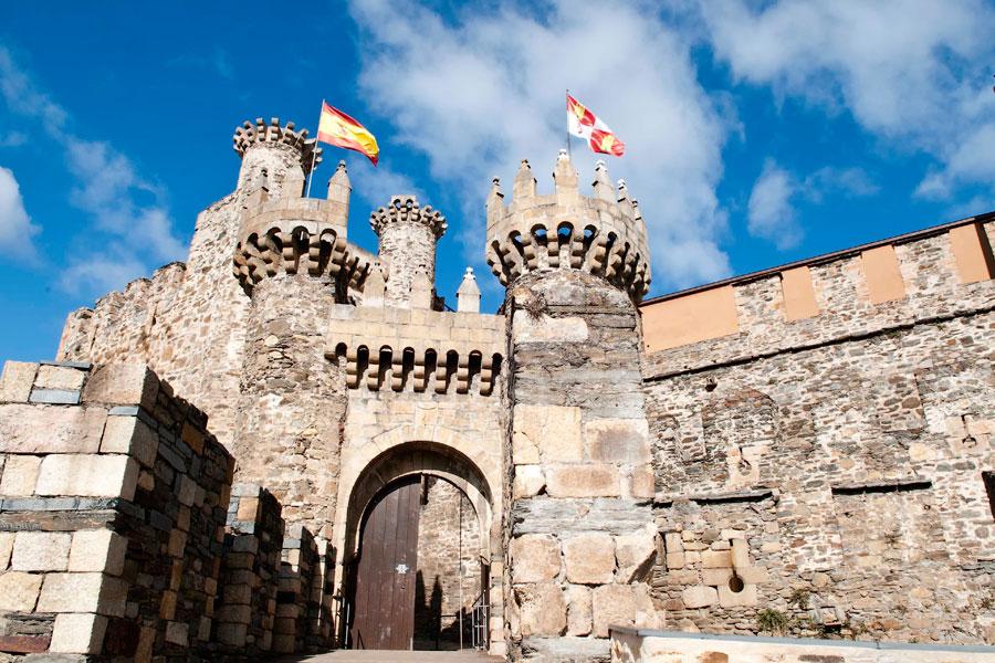 Horarios especiales de apertura del Castillo de Ponferrada durante la Semana Santa de 2019 1