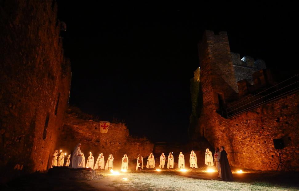 La compañía de Teatro Conde Gatón suspende las visitas nocturnas al Castillo de Ponferrada 1