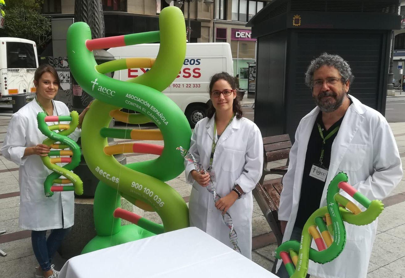 """La Asociación Española Contra el Cáncer organiza este sábado en la Plaza de Lazúrtegui el taller """"Ciencia para todos"""" 1"""