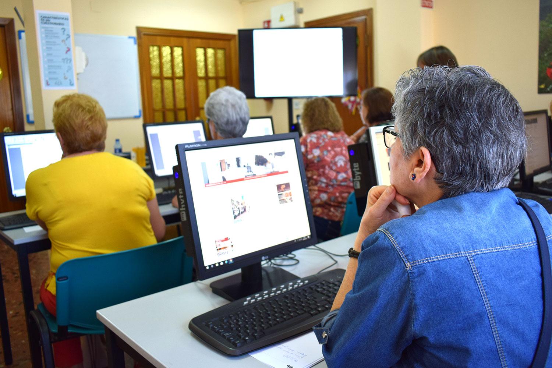 El Consejo Comarcal imparte un taller de competencias digitales para emprendedoras 1
