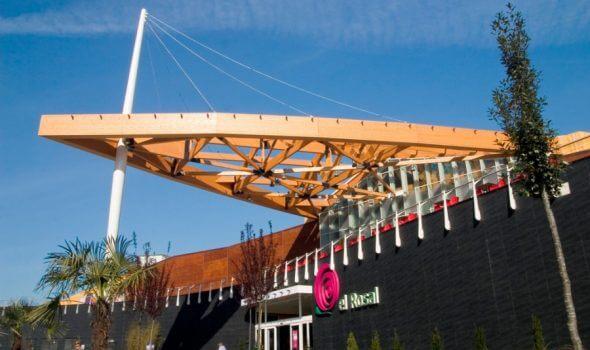 El Rosal presenta su programación para la Encina 2021 en la terraza del Centro Comercial 1