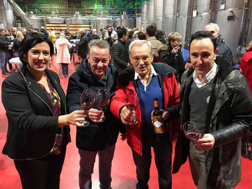 Sergio Sauca estrena el primer vino del año con el deseo de retransimitir el primer partido de la Ponferradina en Primera División 1