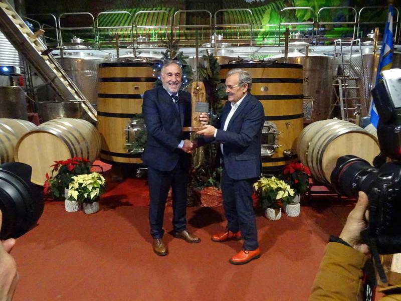 El 'Presi' de la Ponferradina recibe la castaña de oro de la fundación Prada a Tope 1