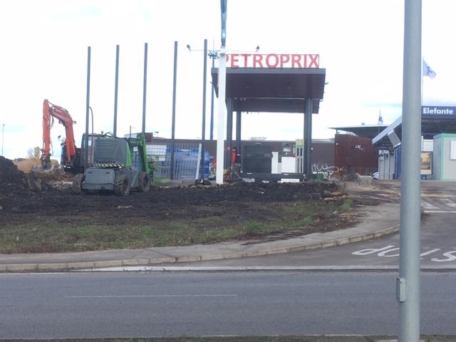 La cadena de gasolineras LowCost PetroFix prepara su desembarque en Ponferrada 1
