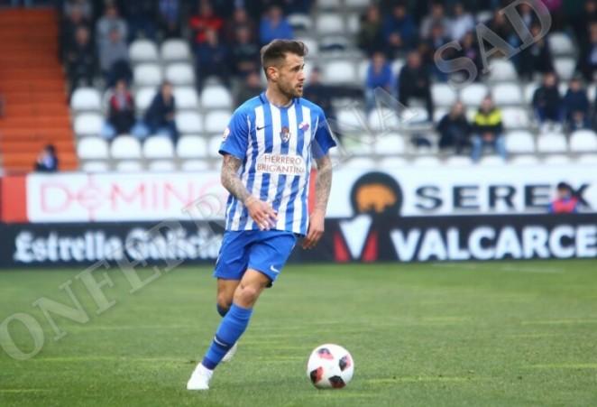La Ponferradina cede a Jon García al Racing Club de Ferrol 1