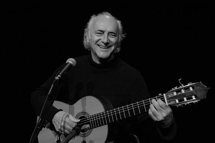 Amancio Prada recibe el Premio de Cultura Galega en la modalidad de música 1