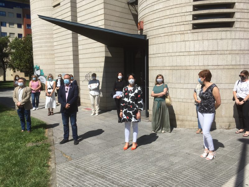 Las Instituciones dedican un minuto de silencio a las víctimas de la Covid-19 1