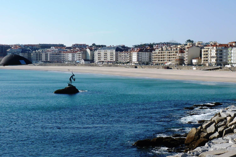 Los chapuzones bercianos de este verano en las playas gallegas podrían ser con cita previa 1