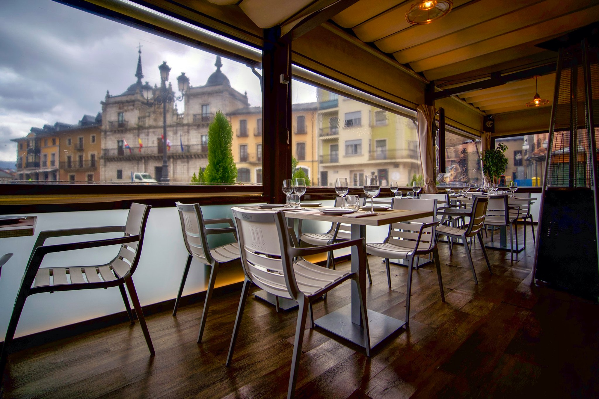 El Restaurante La Violeta estrena carta y dispone de nuevo servicio de comida a domicilio 1