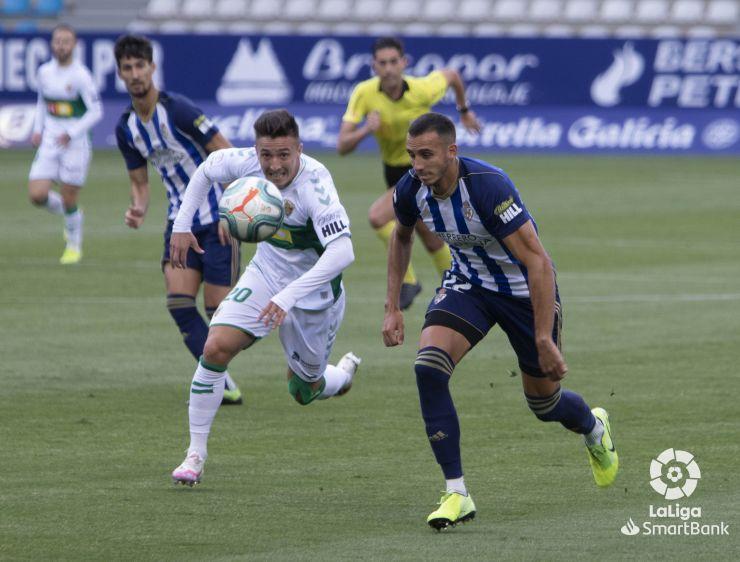 La Deportiva Ponferradina da un paso de gigante para consolidar su puesto en la Liga SmartBank 3