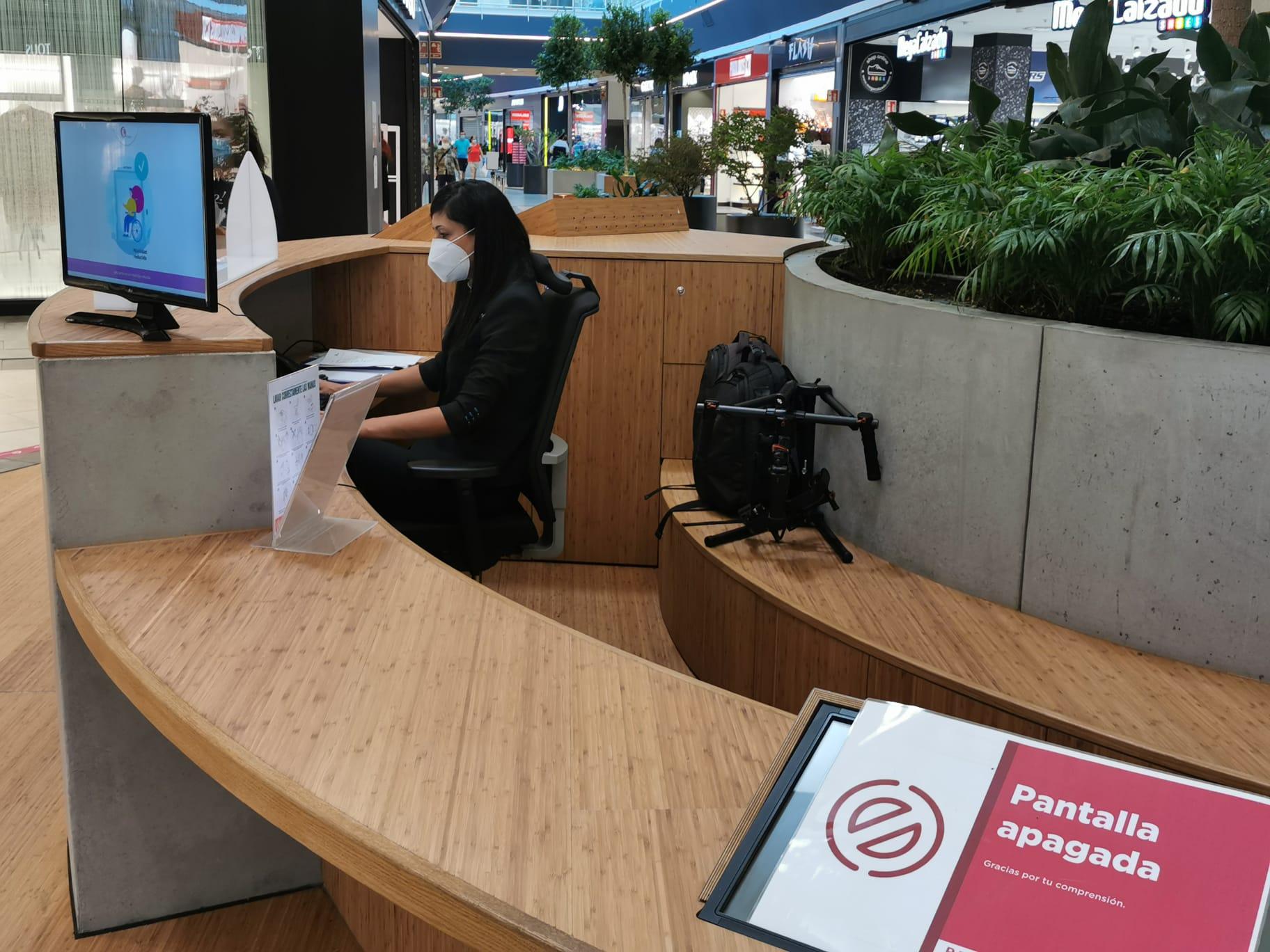 El Centro Comercial el Rosal abre con estrictas medidas de seguridad y control para la seguridad de los clientes y trabajadores 4
