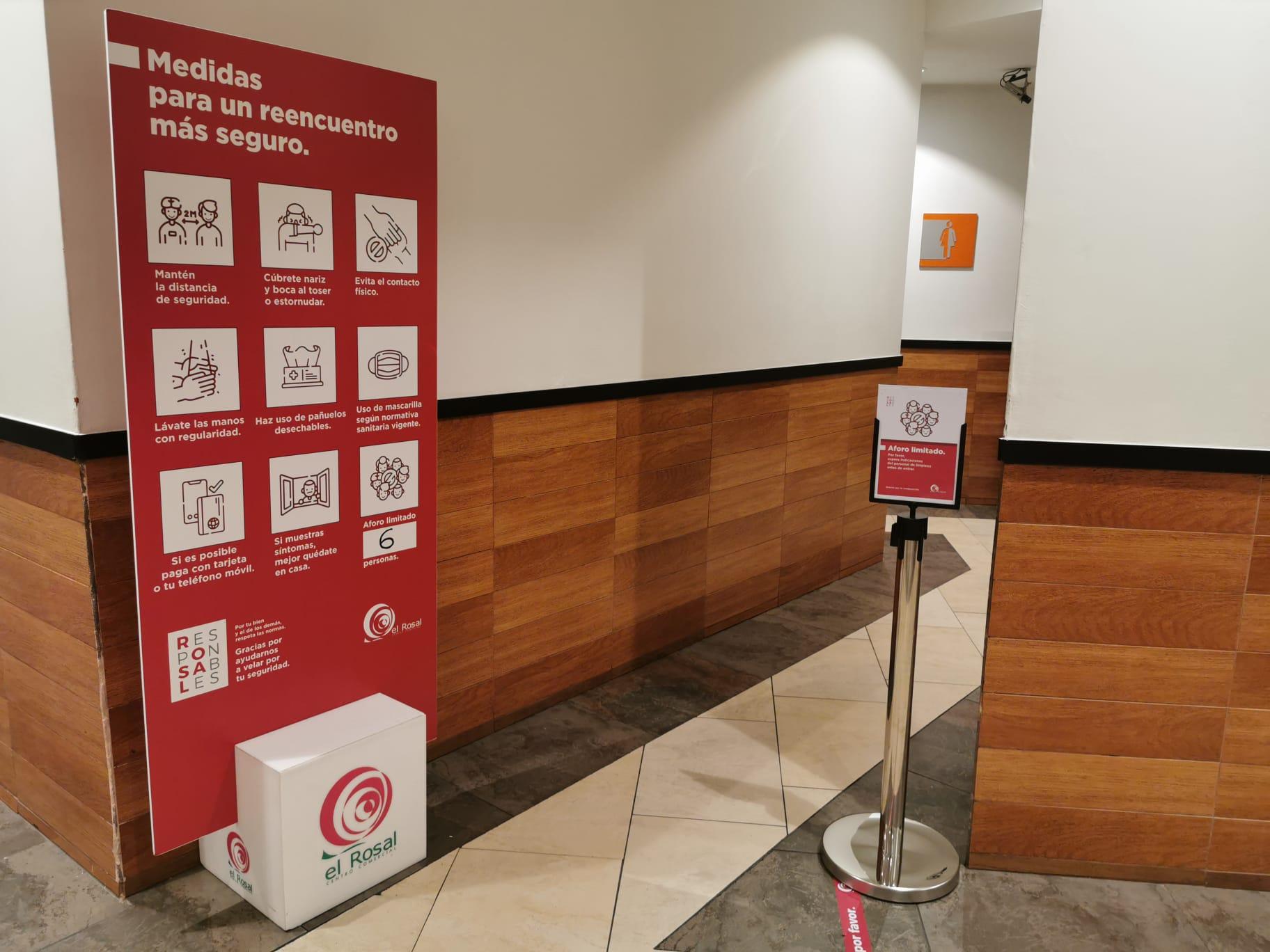 El Centro Comercial el Rosal abre con estrictas medidas de seguridad y control para la seguridad de los clientes y trabajadores 7