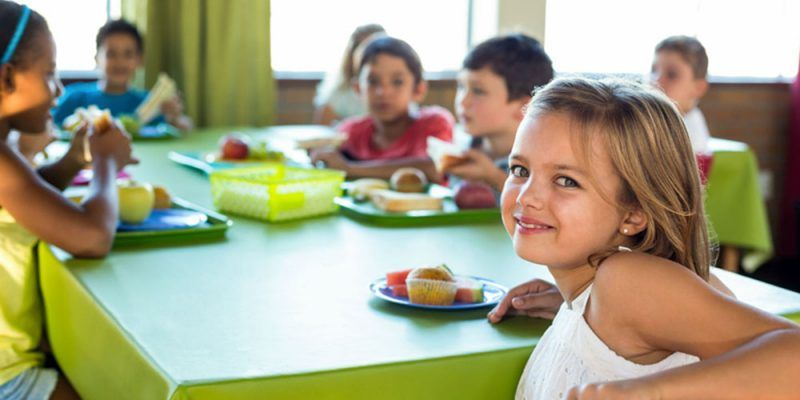 Las familias podrán presentar la solicitud de ayuda para el comedor escolar durante la segunda quincena de junio 1