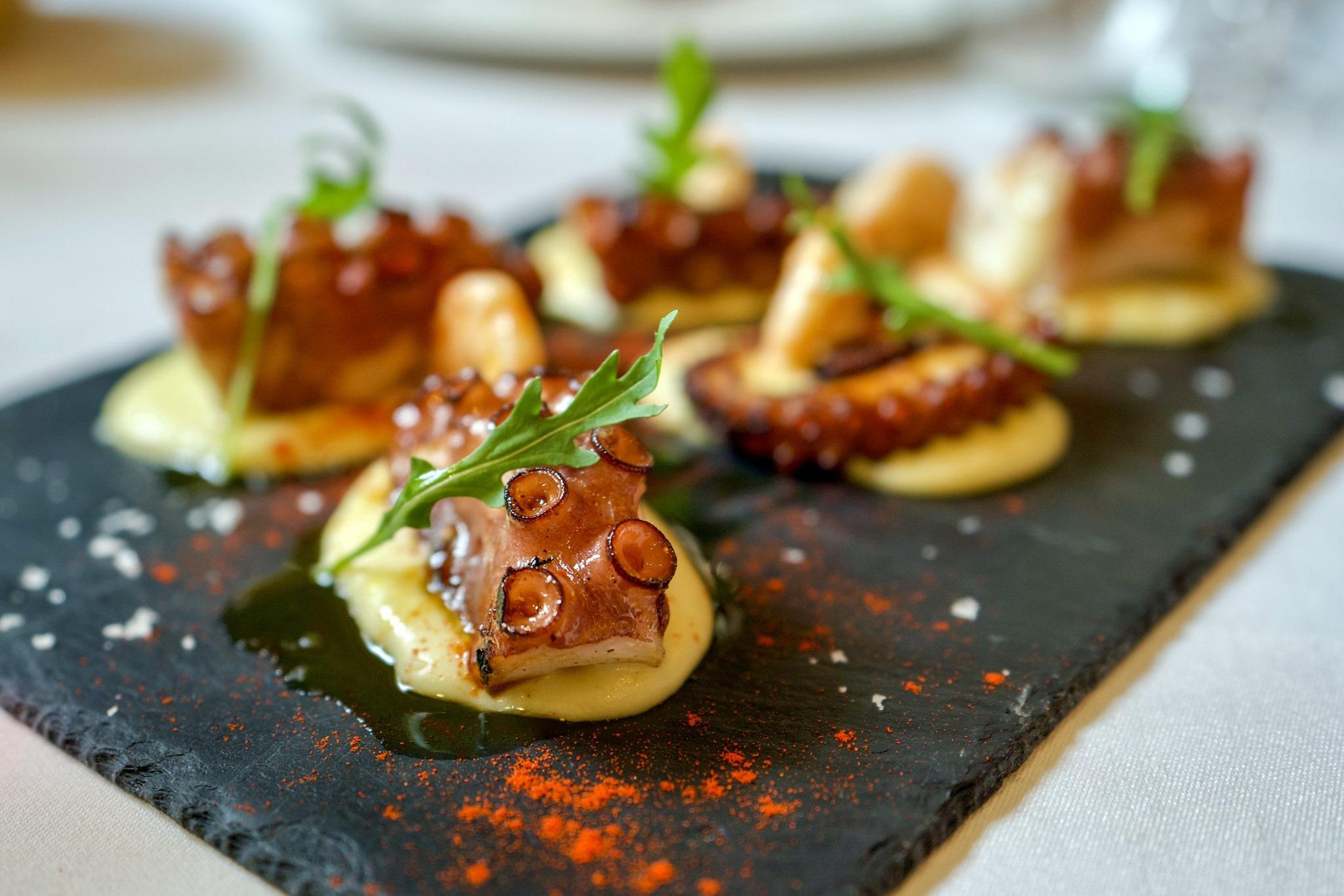 El Restaurante La Violeta estrena carta y dispone de nuevo servicio de comida a domicilio 3