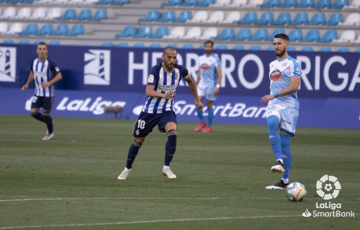 SD Ponferradina 0 CD Lugo 1. La Ponferradina sigue sin saber salir del lío y suma la cuarta derrota consecutiva 8