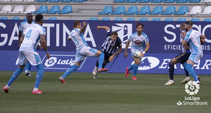 SD Ponferradina 0 CD Lugo 1. La Ponferradina sigue sin saber salir del lío y suma la cuarta derrota consecutiva 5