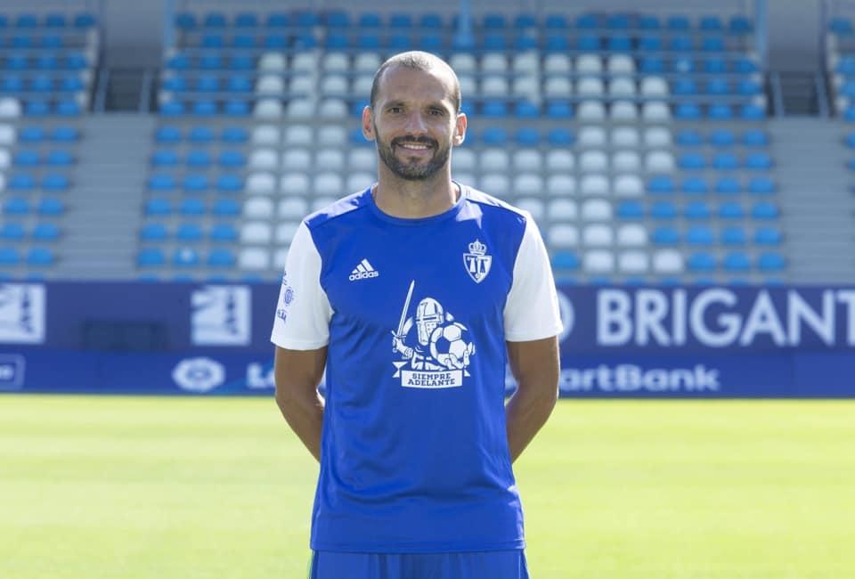 La Deportiva lanza una camiseta conmemorativa para agradecer la fidelidad de sus socios 5
