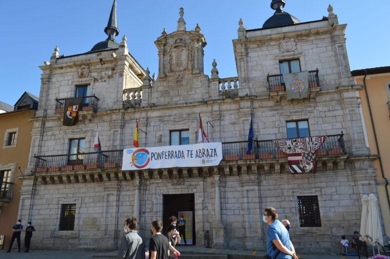 El mercado templario de Ponferrada ya recibe a sus visitantes con medidas sanitarias para los visitantes 8