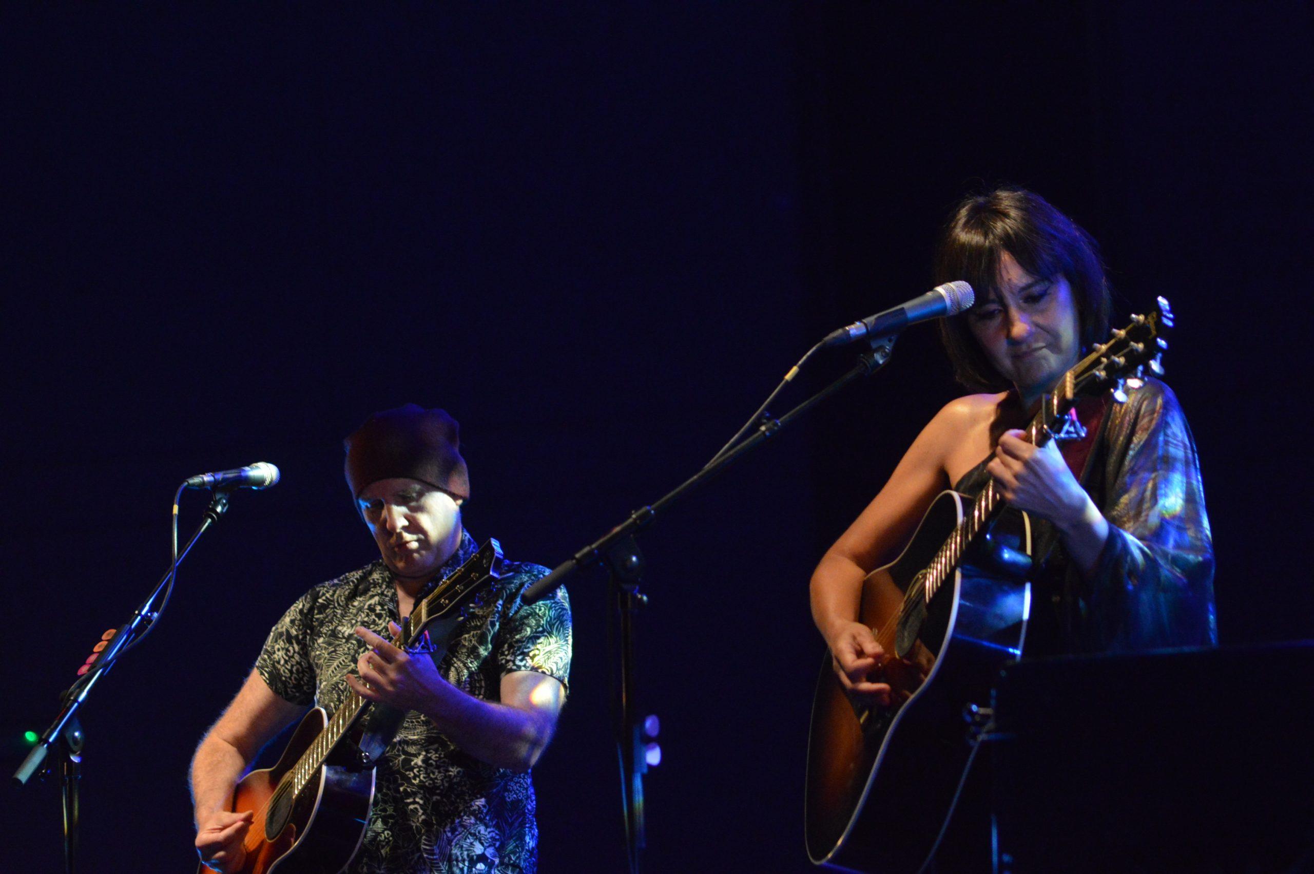 Concierto de Amaral en el verano #ponferradateabraza, la cercanía del dúo zaragozano alejó la distancia social 12
