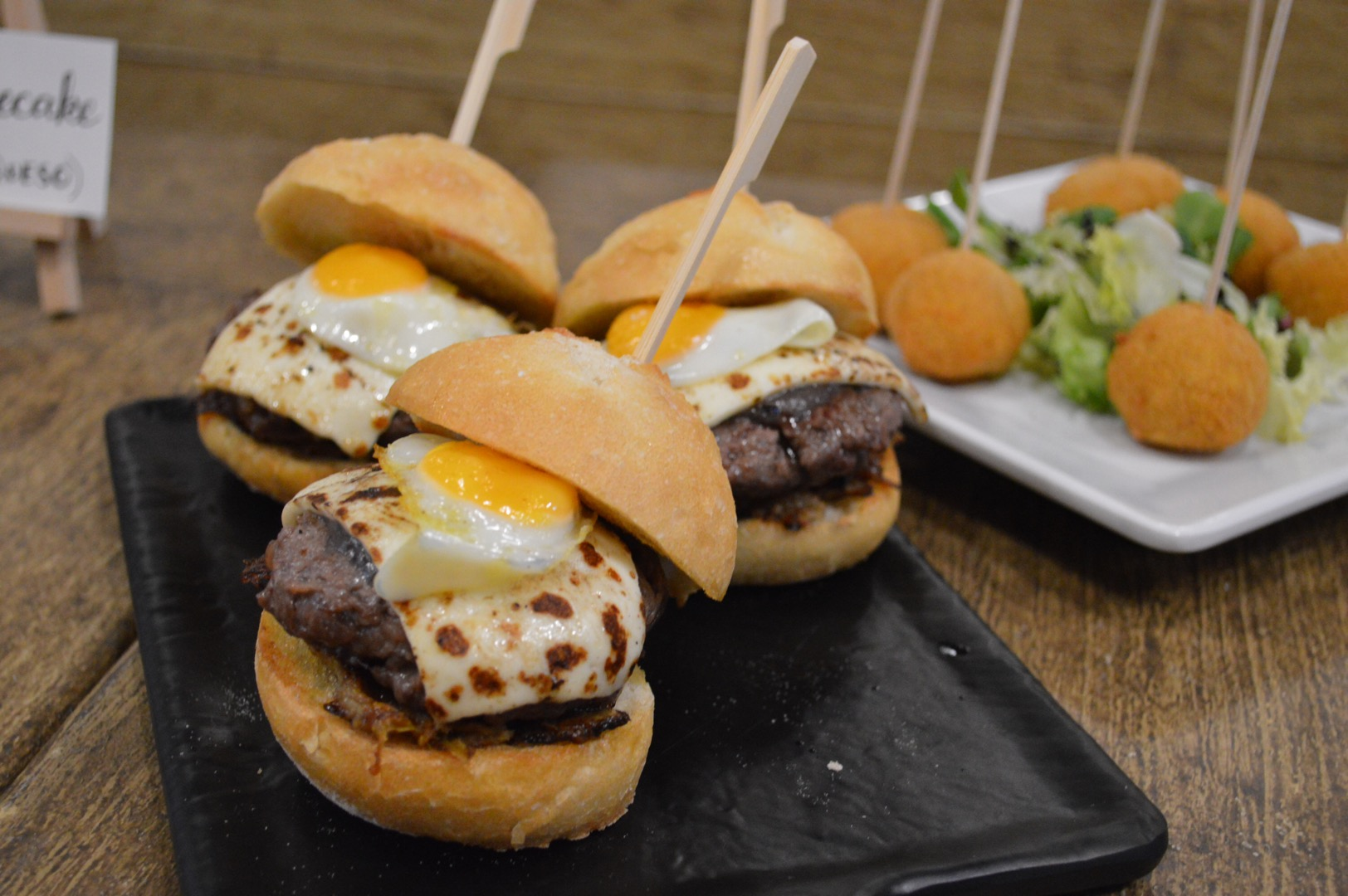 Rustico enciende su grill para disfrutar de hamburguesas de calidad en Ponferrada 4
