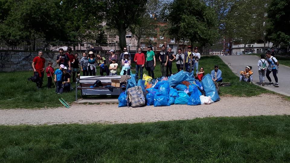 Proyecto Orbanajo convoca una nueva salida de voluntarios para recoger basura del entorno del río Sil en Ponferrada 1