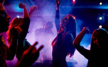 La Junta abre la mano para que el ocio nocturno se 'reconvierta': Los bares de ocio nocturno podrían ejercer la actividad de hostelería y restauración cumpliendo la normativa sanitaria y de seguridad alimentaria 3